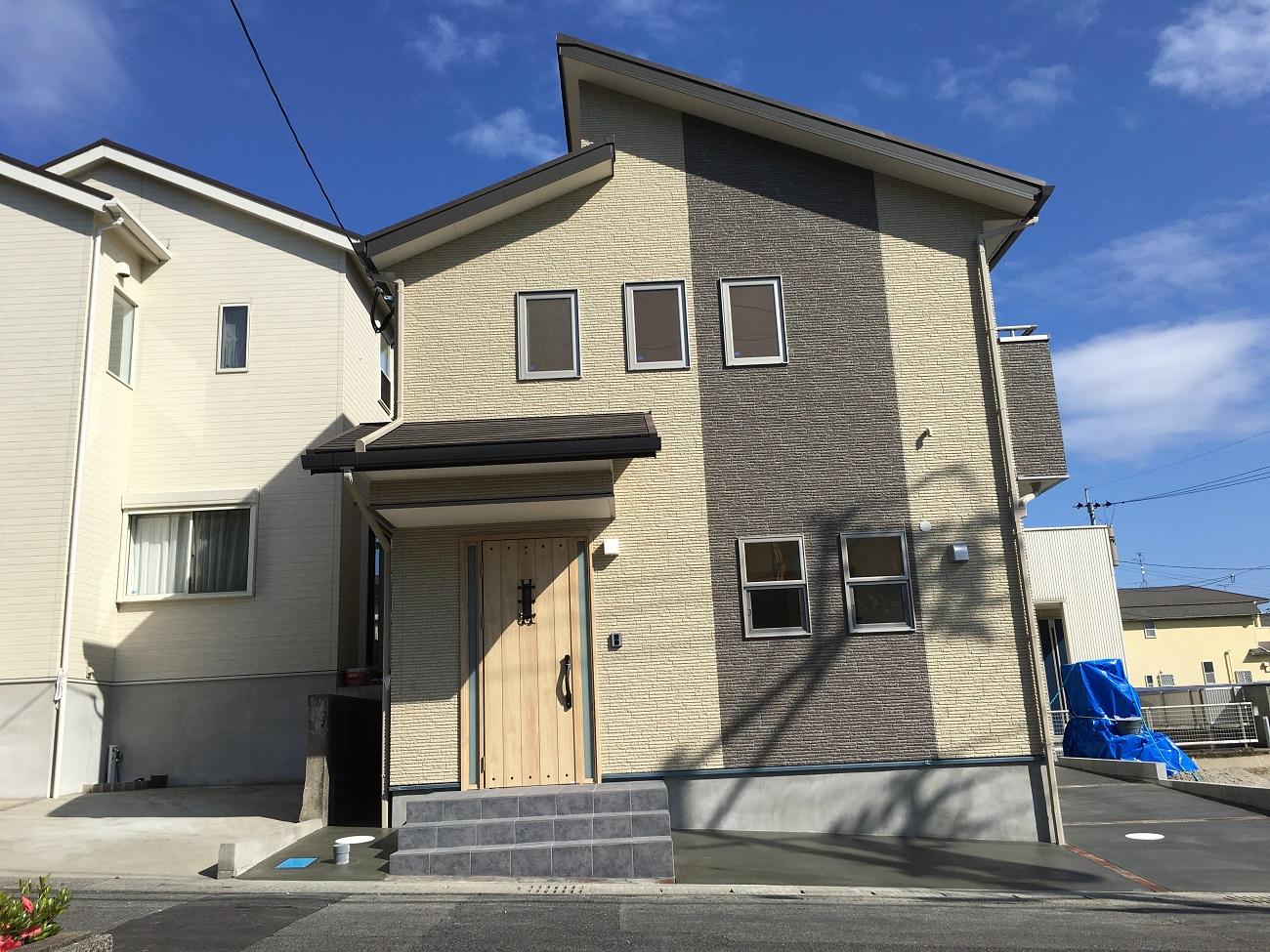 新築外観 玄関