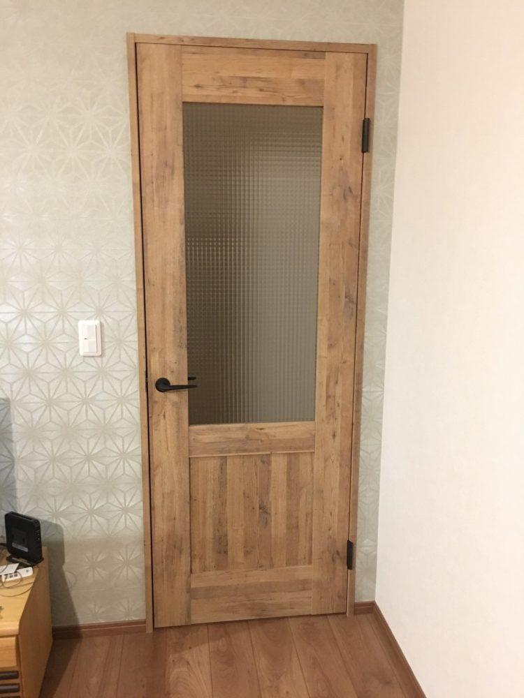 ベリティス クラフトレーベル トラディシュナルデザインがベースの塗れるドア